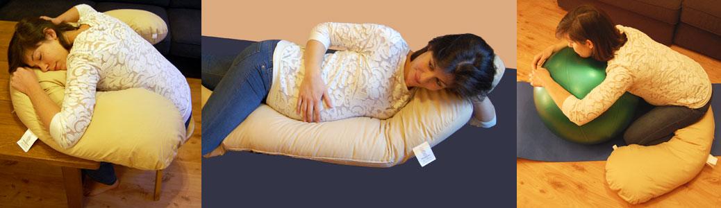 Posez mon Coussin sur une table ou sur un bureau, asseyez-vous sur un tabouret ou mieux sur un ballon (auto-stretching) et relâchez votre tête sur le « ventre » du coussin Hippocampe-relax.